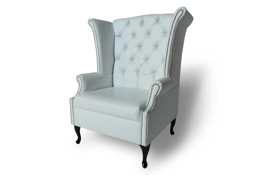 Merveilleux Henry Classic Wing Back Chair (White)